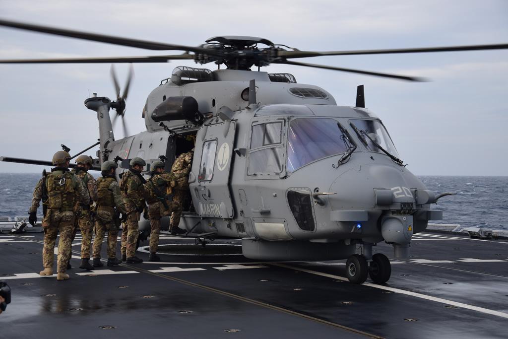 Elicottero 90 : Mare aperto elicotteri sh supportano i boarding